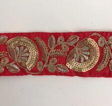 Oro antiguo indio atractivo y Hilo & Lentejuelas Floral Tela Encaje Rojo - 1 Mtr