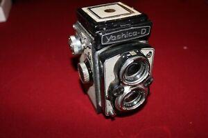 Vintage Yashica-D Twin Lens TLR Camera Yashikor 80mm f/3.5 Lenses with Copal-MXV