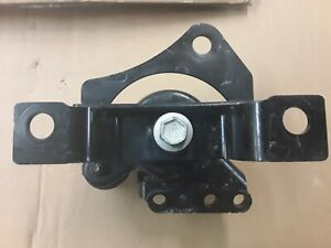 USED GENUINE FORD FUSION ENGINE MOUNT OEM DG936F012