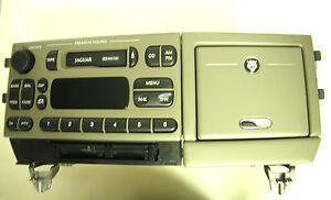 FORD/JAGUAR AM/FM/Cass #XR8F-18K876-CHAEK