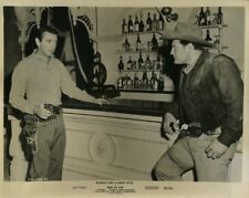 MACDONALD CAREY MAN OR GUN ORIG  8X10 PHOTO X4556