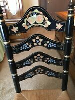 BEAUTIFUL Vintage Rush Bottom Ladder Back chair with Stenciled Decor