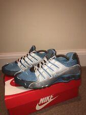 Nike Shox Taille 9 EU 44 Chaussures de course