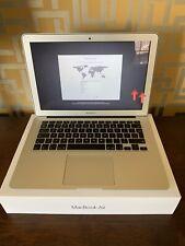 Apple MD760LL/B MacBook 13.3 Pulgadas Portátil Plata, Air principios de 2014, Usado, Funcionando
