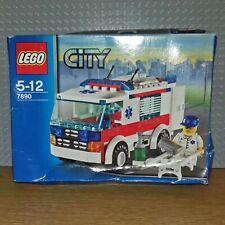LEGO CLASSIC VINTAGE CITY / TOWN - 7890 - AMBULANCE - NEW - NISB