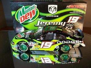 Jeremy Mayfield #19 Mountain Dew Autographed 2004 Dodge Intrepid 2,220 1:24