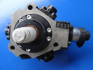 Einspritzpumpe  Hyundai i30, Getz, Matrix, Accent  33100 2A400 Bosch 0445010124