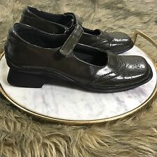 Wanted Women's Sz 8.5 M Dark Olive Green Mary Jane Loafer Shoes