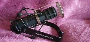 Electro Voice RE-20 - The Radio Broadcast Dynamic Microphone ( Black )
