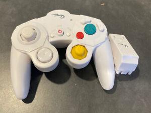 Rocketfish Wireless Controller for Nintendo Gamecube w/ receiver - White