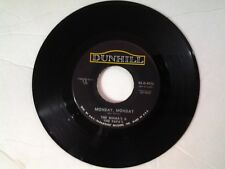 """The Mama's & The Papa's 45 rpm """"Monday, Monday"""" DUNHILL 4026"""