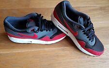 Nike AIR MAX 1-Nero/Grigio/Rosso-Taglia UK 8.5