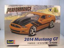 2014 FORD MUSTANG GT REVELL 1:25 SCALE PLASTIC MODEL CAR KIT