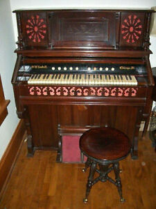 Antique Pump Organ With Stool - W.W. Kimball, Chicago, IL
