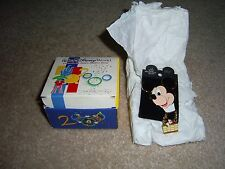 Walt Disney World 2000, Mickey Mouse pin& Gift Box, Celebrate the Future, new