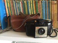 Vintage Bakelite Kodak Brownie 127 Camera with Dakon Lens, Second Model 1959-63