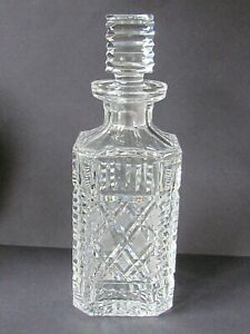 WATERFORD CRYSTAL GIFTWARE VINTAGE SQUARE DECANTER (Ref7307)