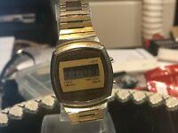 1970er Compu-Chron HAU Frühe Digital LCD Quartz Edelstahlband neue Bat HK
