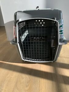 IATA Approved Petmate Sky Kennel For Transporting Cats Or Small Dogs By Plane
