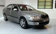 Missing Mirror! 1:24 Scale Skoda Octavia Silver vRS TDi Welly 22474 Model 2004
