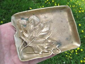 joli vide poche cendrier bronze.rare à la feuille de platane. art nouveau.