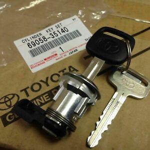 Genuine Toyota Tacoma Gas Fuel Lid Door Flap Cylinder & Key Set 69058-35140 OEM