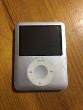 Reproductores de MP3 de plata con 4 GB de almacenamiento