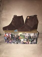 Brand New TOMS Desert Wedge Chocolate Suede Size 5.5