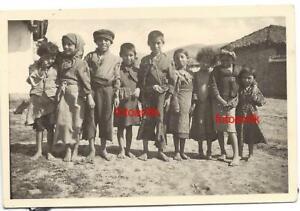 Foto 2 WK Zigeuner Zigeunerlager mit Junge und Mädchen halb nackt * Barfuß