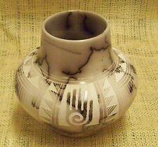 Native American Made Pottery Hilda Whitegoat Small Horsehair Vase Hand Symbol