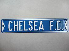 "Grande plaque métal en relief  ""CHELSEA F.C. "" 71 cm x 15 cm"
