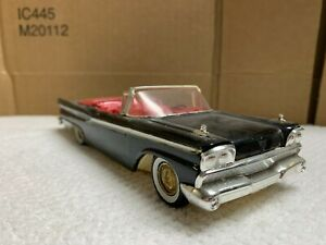 AMT 1959 Ford Galaxie Convertible 1/25 scale model. Original! Great Shape!