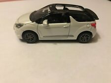 CITROEN  - DS3 CABRIO BLANC /NOIR  COLLECTION 3 INCHES  2014 1/64