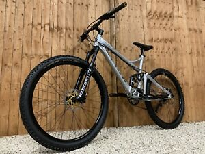 Giant Reign 3 full suspension Enduro/Downhill bike, HIGH SPEC, DEORE, RACEFACE