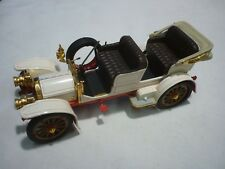 Un Franklin Comme neuf scale model of a 1904 Mercedes Benz Simplex