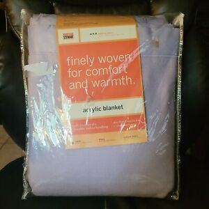 Martha Stewart everyday acrylic blanket  Lt Purple FULL NOS Nylon Trim TWIN