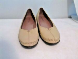 SMART BEIGE LEATHER HUSH PUPPIES SLIP ON SHOES FITS SIZE 9.5C AUS