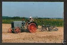 TRACTEUR 10-20 DEERING & Outil Agricole