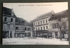 CPA. PONT DE BEAUVOISIN. 38 - Place de la République. Triperie. Modes. Thevenon