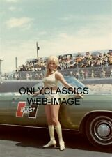 TROPHY GIRL LINDA VAUGHN MISS HURST NHRA AUTO RACING 5X7 PHOTO CHRYSLER PACE CAR