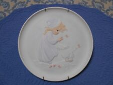 Precious Moments Plate Four Seasons Series Winter's Song with Plate Holder