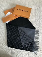 5d5d17ebba9c9 Louis Vuitton FW18 BLK Charcoal Gradient Scarf - NEW