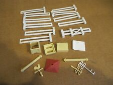 ORIGINAL  PLASTICVILLE/plastic building  train PARTS