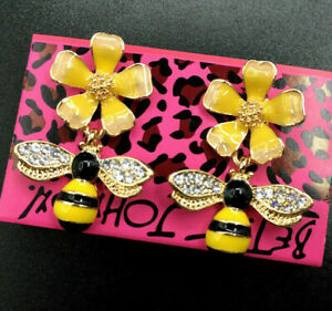 Delightful Honey BEE Rhinestone FLOWER Enamel Betsey Johnson Earrings