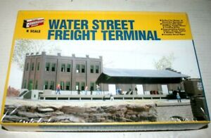 Walthers Cornerstone N Water Street Freight Terminal  Kit