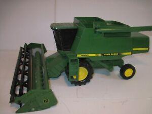 John Deere Farm Toy Tractor 9500 Combine 1/24