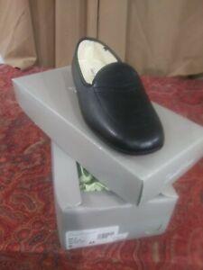 Daniel Green Meg 10 N Black Soft Leatherslip On Women's Slippers