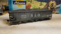 Athearn Roundhouse weathered B&O coal  hopper car,  metal wheels, with load