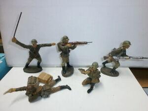 Konvolut 5 alte Hausser Elastolin Massesoldaten im Kampf zu 7.5cm