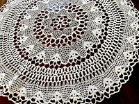Vintage Hand Crochet Large FLORAL Circular Table Centre Cloth 25 Inches Diameter